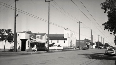 Looking down 33rd Street in Saskatoon during the early 1950s